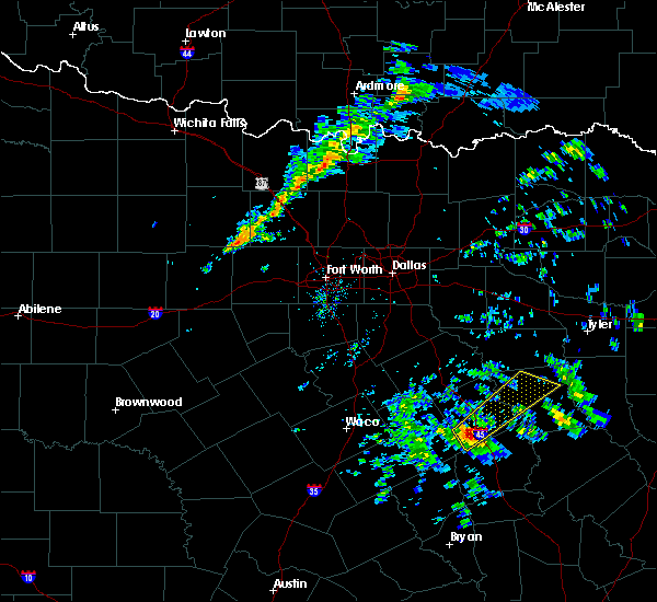 Radar Image for Severe Thunderstorms near Fairfield, TX at 2/9/2020 7:40 PM CST
