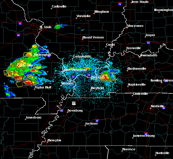 Radar Image for Severe Thunderstorms near Williamsville, MO at 3/2/2020 6:37 PM CST