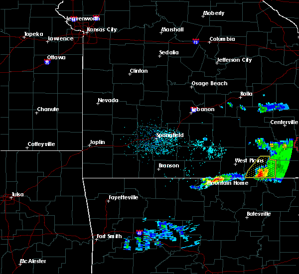 Radar Image for Severe Thunderstorms near Alton, MO at 3/2/2020 7:37 PM CST
