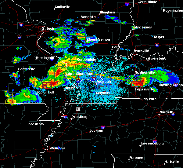 Radar Image for Severe Thunderstorms near Olive Branch, IL at 3/2/2020 8:10 PM CST