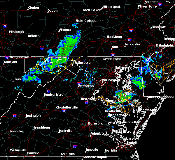 Radar Image for Severe Thunderstorms near Shawneeland, VA at 3/3/2020 10:22 PM EST