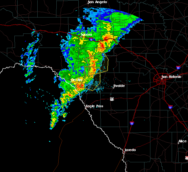 Radar Image for Severe Thunderstorms near Brackettville, TX at 3/4/2020 2:44 AM CST