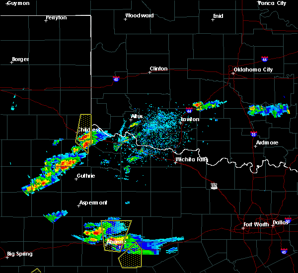Radar Image for Severe Thunderstorms near Childress, TX at 3/18/2020 5:51 PM CDT