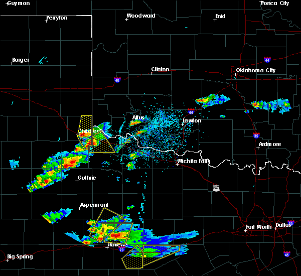 Radar Image for Severe Thunderstorms near Paducah, TX at 3/18/2020 6:05 PM CDT