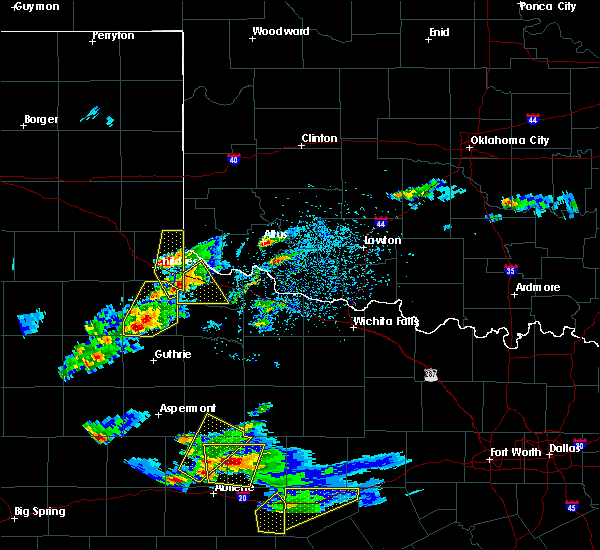 Radar Image for Severe Thunderstorms near Childress, TX at 3/18/2020 6:11 PM CDT