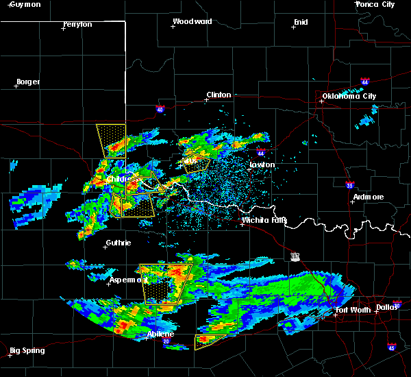 Radar Image for Severe Thunderstorms near Dodson, TX at 3/18/2020 7:04 PM CDT