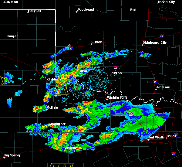 Radar Image for Severe Thunderstorms near Quanah, TX at 3/18/2020 7:35 PM CDT
