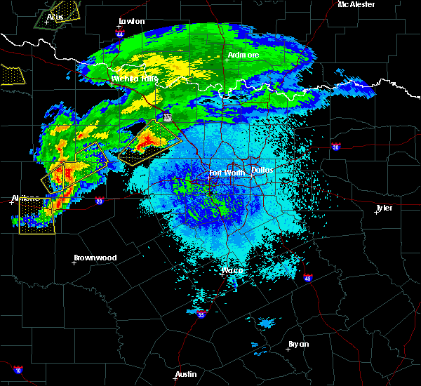 Radar Image for Severe Thunderstorms near Bridgeport, TX at 3/18/2020 8:51 PM CDT