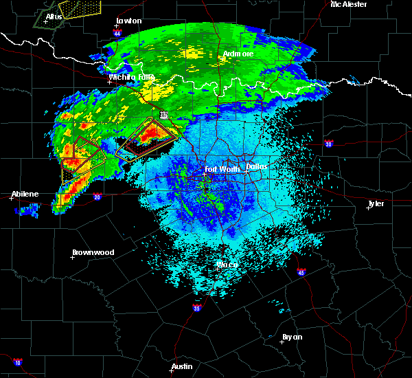 Radar Image for Severe Thunderstorms near Bridgeport, TX at 3/18/2020 9:04 PM CDT