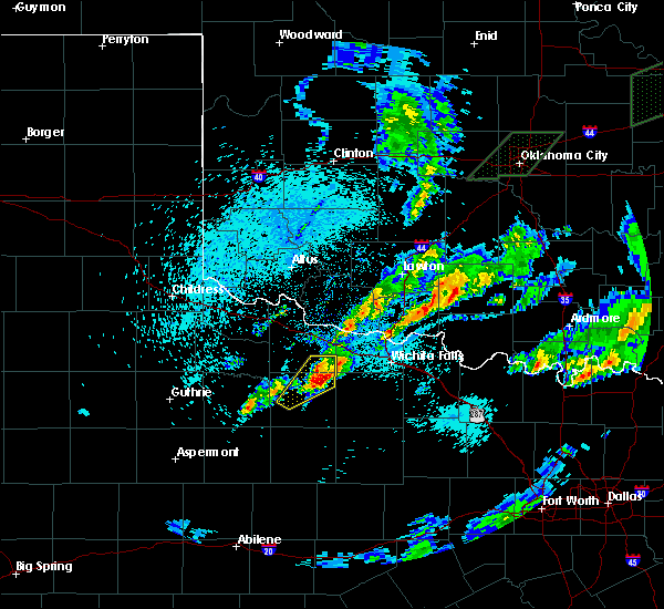 Radar Image for Severe Thunderstorms near Iowa Park, TX at 3/19/2020 5:33 AM CDT