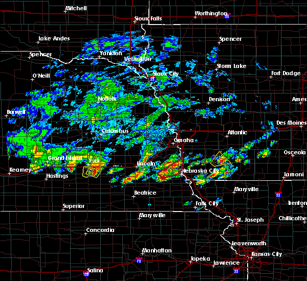 Radar Image for Severe Thunderstorms near Clarinda, IA at 3/19/2020 4:33 PM CDT