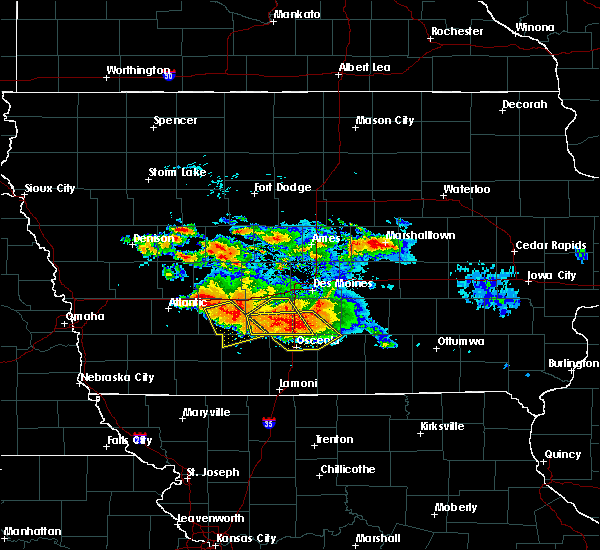 Radar Image for Severe Thunderstorms near Woodburn, IA at 6/24/2015 8:46 PM CDT
