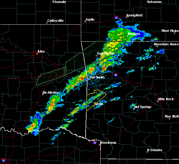 Radar Image for Severe Thunderstorms near St. Paul, AR at 3/19/2020 5:34 PM CDT