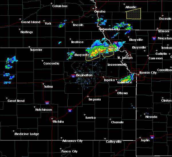 Radar Image for Severe Thunderstorms near Sabetha, KS at 3/19/2020 6:28 PM CDT