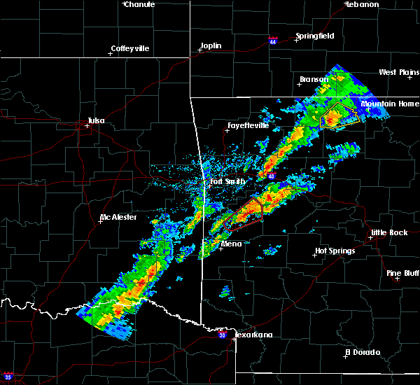 Radar Image for Severe Thunderstorms near Blue Mountain, AR at 3/19/2020 7:04 PM CDT