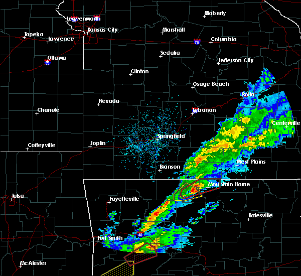 Radar Image for Severe Thunderstorms near Mountain Home, AR at 3/19/2020 7:26 PM CDT