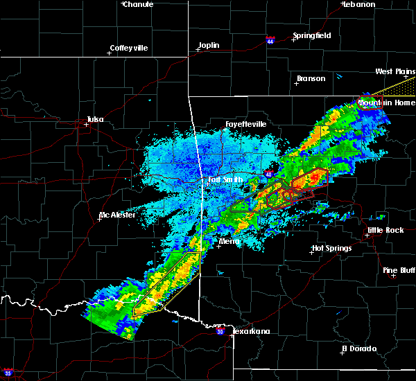 Radar Image for Severe Thunderstorms near Danville, AR at 3/19/2020 7:58 PM CDT