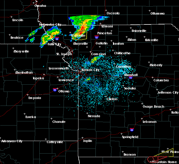 Radar Image for Severe Thunderstorms near Gentry, MO at 3/19/2020 8:01 PM CDT