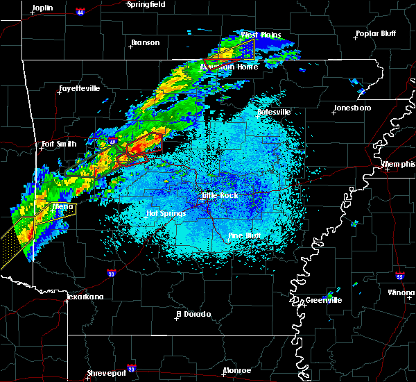 Radar Image for Severe Thunderstorms near Clinton, AR at 3/19/2020 8:11 PM CDT