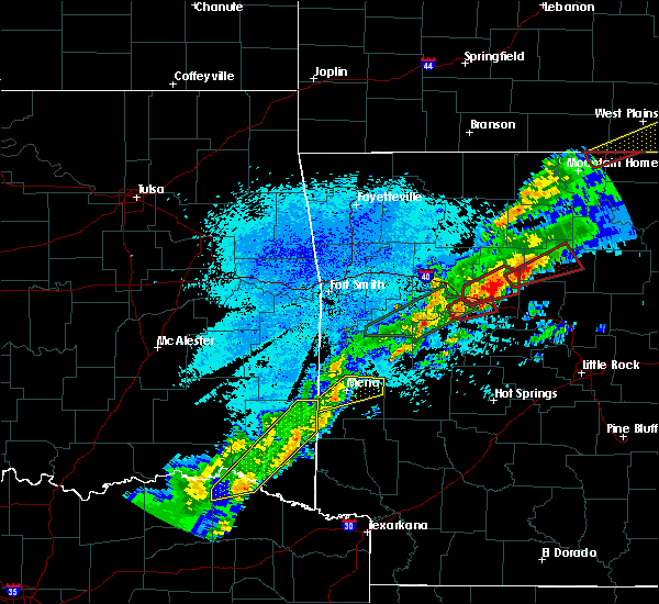 Radar Image for Severe Thunderstorms near Danville, AR at 3/19/2020 8:15 PM CDT