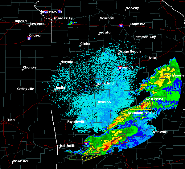 Radar Image for Severe Thunderstorms near Brandsville, MO at 3/19/2020 8:21 PM CDT