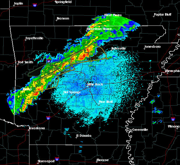 Radar Image for Severe Thunderstorms near Danville, AR at 3/19/2020 9:05 PM CDT