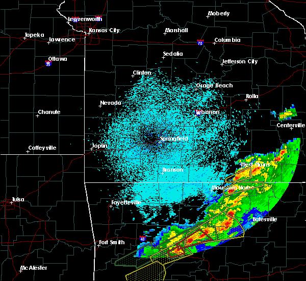 Radar Image for Severe Thunderstorms near Salem, AR at 3/19/2020 9:28 PM CDT