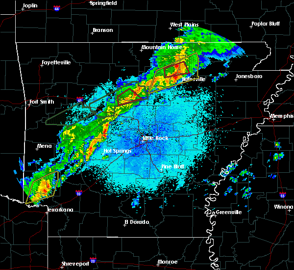 Radar Image for Severe Thunderstorms near Evening Shade, AR at 3/19/2020 10:04 PM CDT