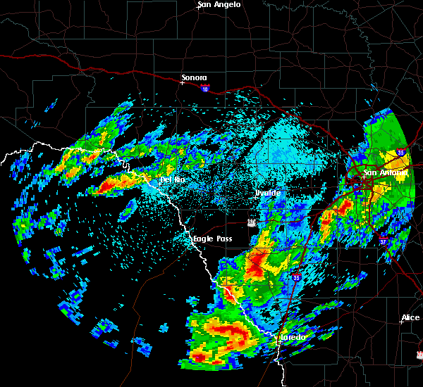 Radar Image for Severe Thunderstorms near Big Wells, TX at 3/19/2020 11:34 PM CDT