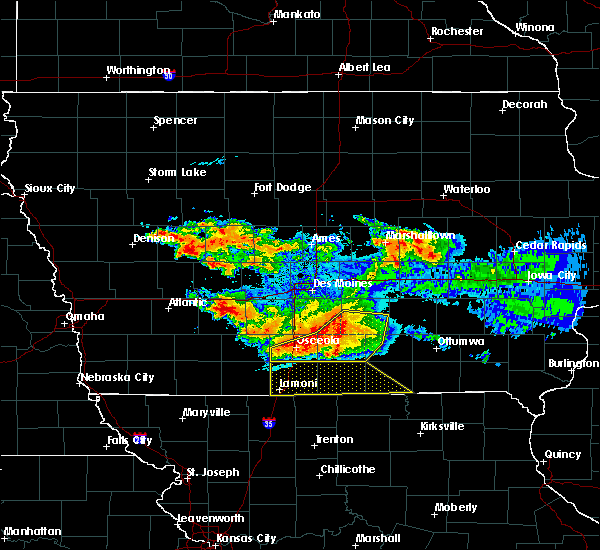 Radar Image for Severe Thunderstorms near Woodburn, IA at 6/24/2015 9:29 PM CDT