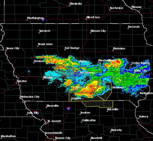 Radar Image for Severe Thunderstorms near Adel, IA at 6/24/2015 9:55 PM CDT