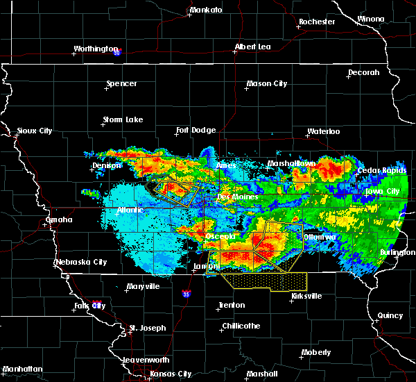 Radar Image for Severe Thunderstorms near Jamaica, IA at 6/24/2015 10:10 PM CDT
