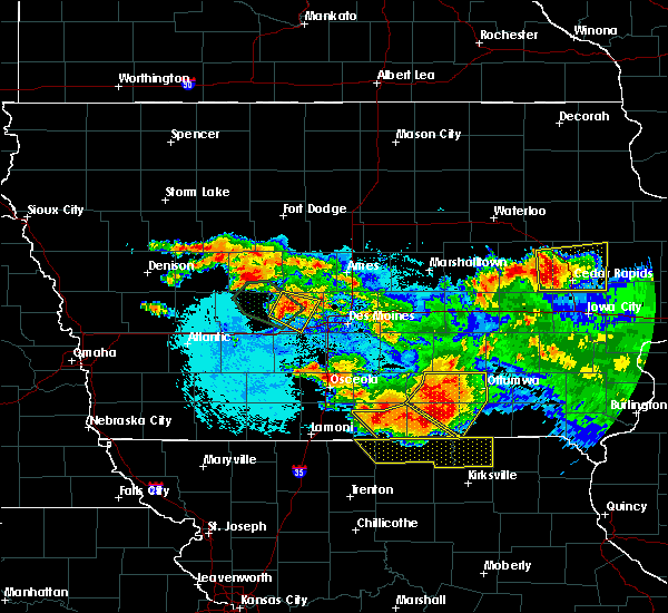 Radar Image for Severe Thunderstorms near Adel, IA at 6/24/2015 10:19 PM CDT