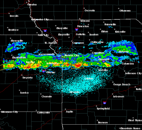 Radar Image for Severe Thunderstorms near La Monte, MO at 3/26/2020 11:39 PM CDT