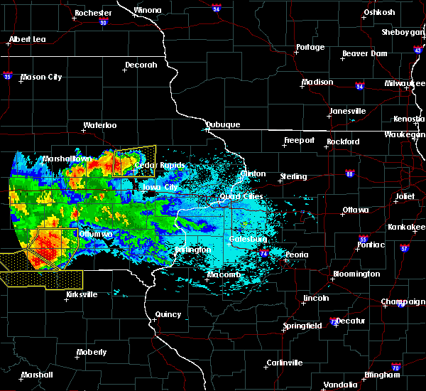 Radar Image for Severe Thunderstorms near Springville, IA at 6/24/2015 10:25 PM CDT