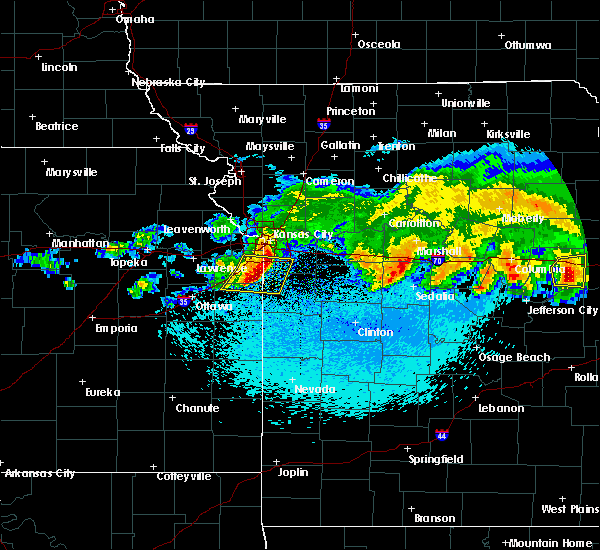 Radar Image for Severe Thunderstorms near Prairie Village, KS at 3/27/2020 1:40 AM CDT
