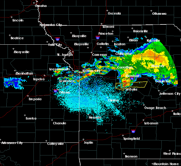 Radar Image for Severe Thunderstorms near Henrietta, MO at 3/27/2020 2:57 AM CDT