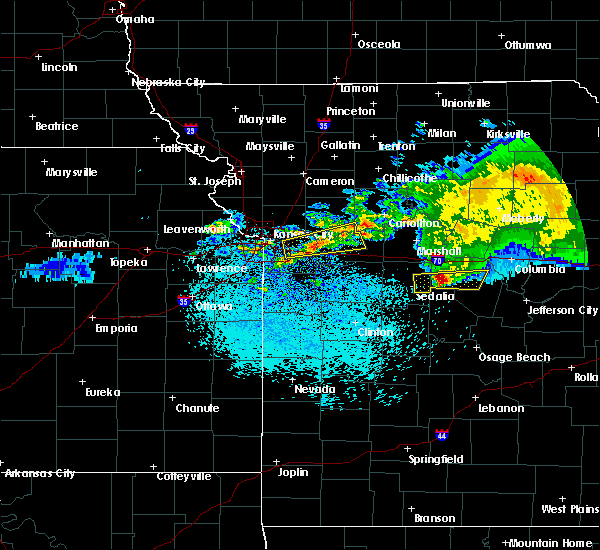 Radar Image for Severe Thunderstorms near Henrietta, MO at 3/27/2020 3:13 AM CDT