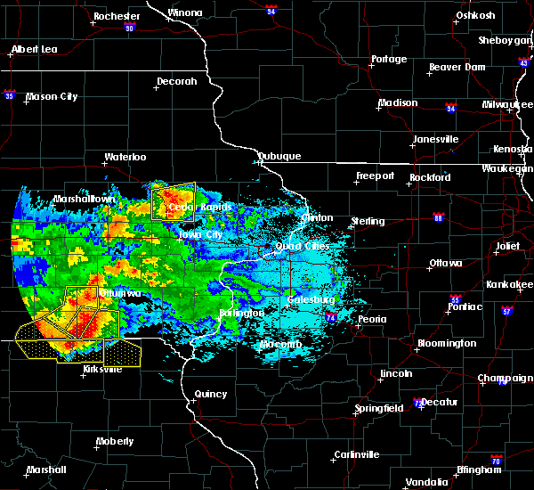 Radar Image for Severe Thunderstorms near Springville, IA at 6/24/2015 10:45 PM CDT