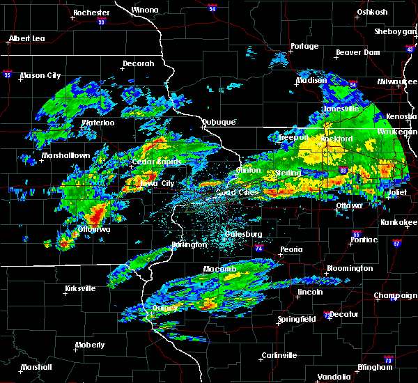 Radar Image for Severe Thunderstorms near Ollie, IA at 3/28/2020 1:56 AM CDT