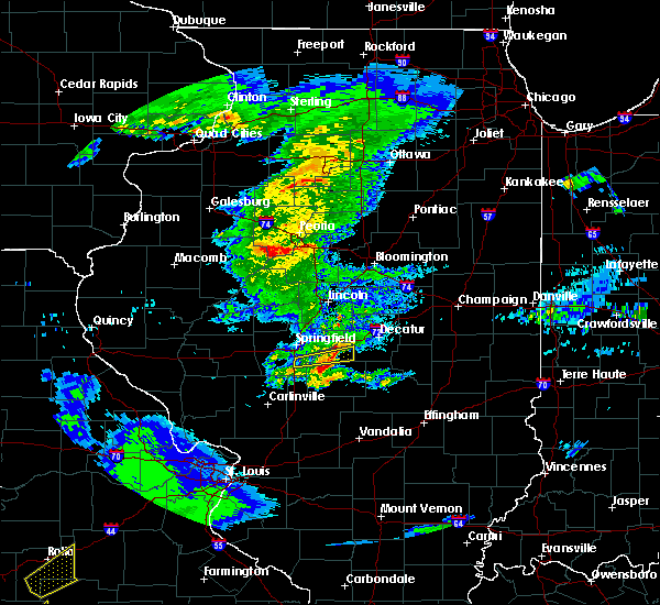 Radar Image for Severe Thunderstorms near Mount Auburn, IL at 3/28/2020 11:27 AM CDT