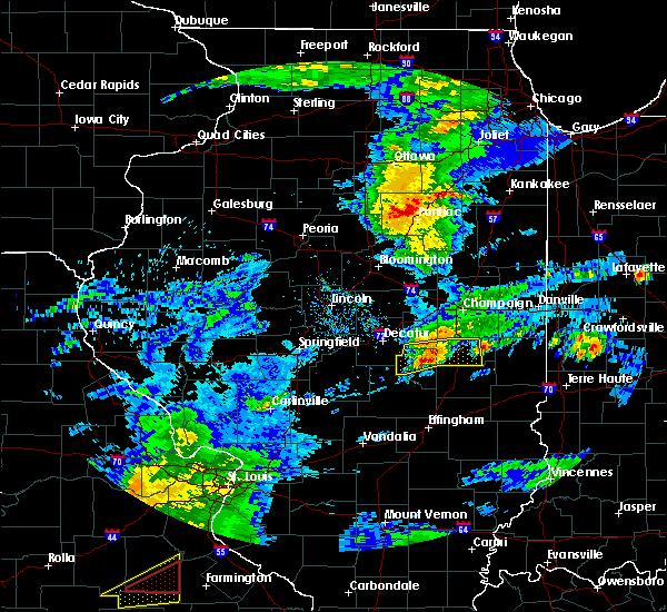 Radar Image for Severe Thunderstorms near Arthur, IL at 3/28/2020 12:24 PM CDT