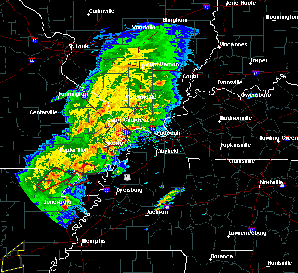 Radar Image for Severe Thunderstorms near Tallapoosa, MO at 3/28/2020 6:04 PM CDT