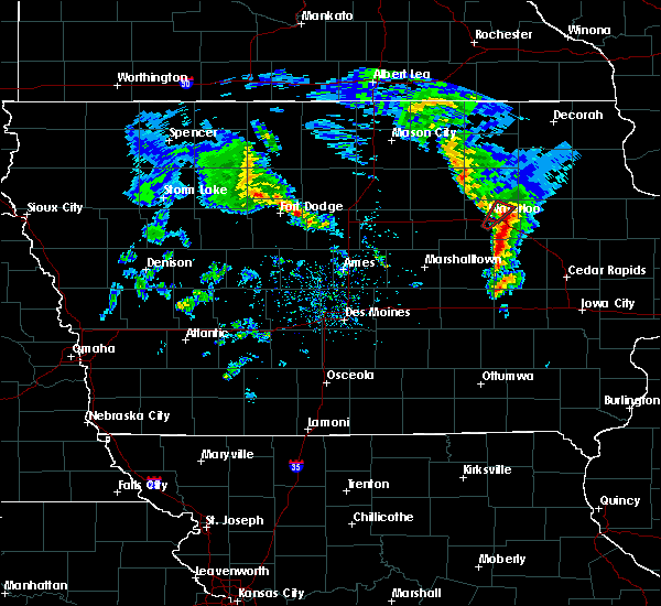 Radar Image for Severe Thunderstorms near Dunkerton, IA at 3/28/2020 6:05 PM CDT