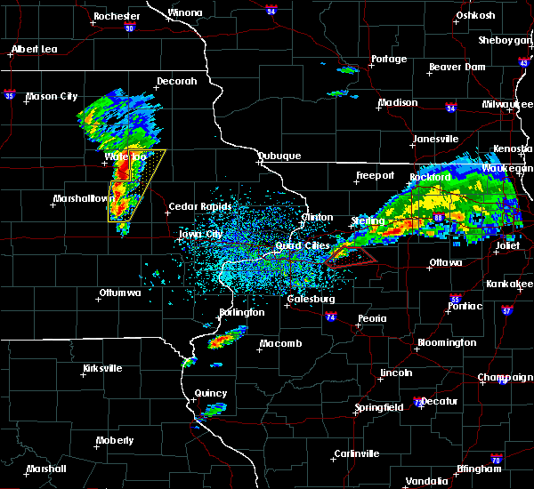 Radar Image for Severe Thunderstorms near Winthrop, IA at 3/28/2020 6:16 PM CDT