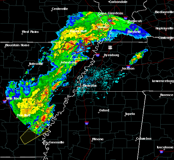 Radar Image for Severe Thunderstorms near Blytheville, AR at 3/28/2020 6:17 PM CDT