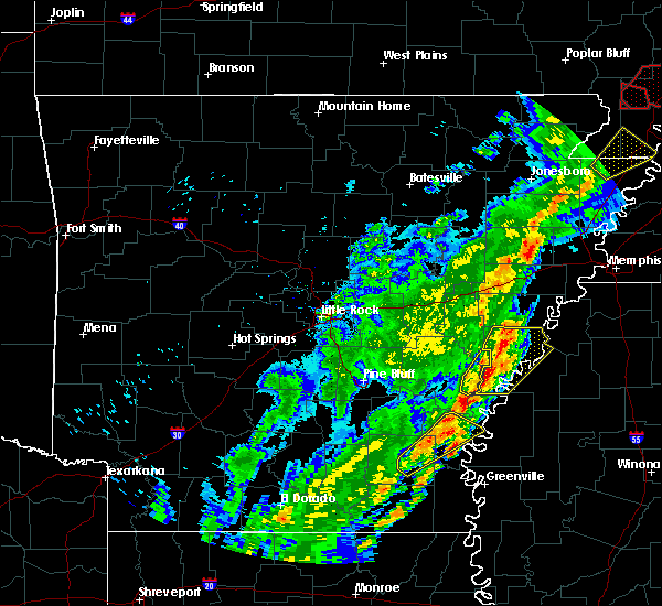 Radar Image for Severe Thunderstorms near Friars Point, MS at 3/28/2020 6:29 PM CDT