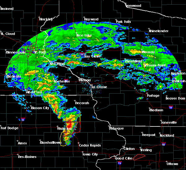 Radar Image for Severe Thunderstorms near Wadena, IA at 3/28/2020 6:33 PM CDT