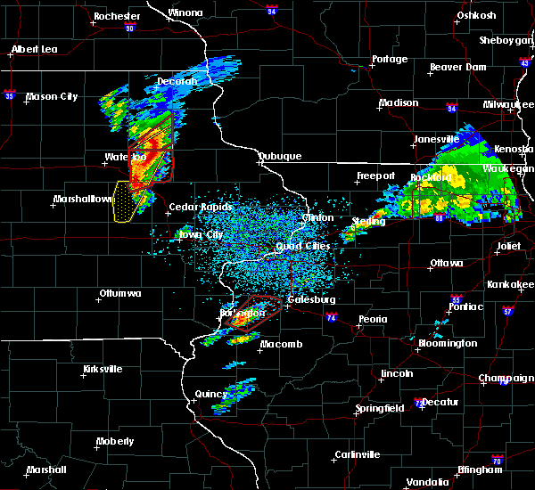 Radar Image for Severe Thunderstorms near Fairbank, IA at 3/28/2020 6:45 PM CDT
