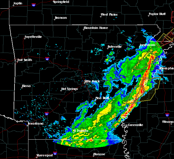 Radar Image for Severe Thunderstorms near Alligator, MS at 3/28/2020 7:06 PM CDT